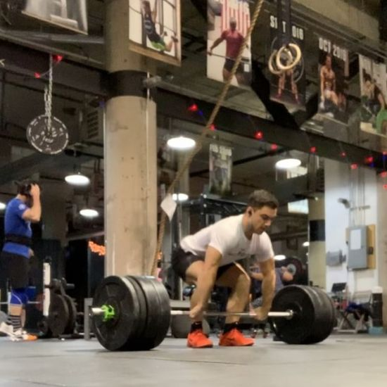 Some early Monday lifting action. . . A) Squat Clean  3 singles every 3 min x4 sets- building from 265# (last set shown at 300lb) . . #fitness #crossfit #niketraining #windycitylivin